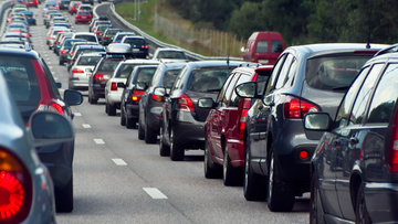 Otomobilde satışlar düştü, fiyatlar arttı