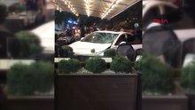 Adana otomobil kafeye daldı! 3 yaralı