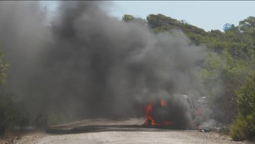 Rally şampiyonasında kaza yapan araç alev topuna döndü