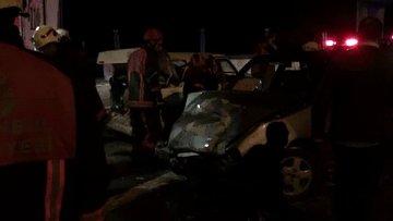 Silivri'de iki otomobil çarpıştı 3 kişi yaralandı