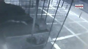 Akülü araçla marketten hırsızlık güvenlik kamerasında