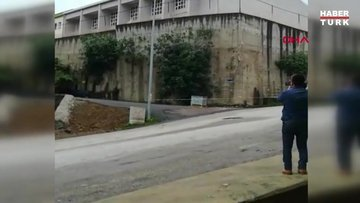 Lisenin spor salonunun istinat duvarı çöktü