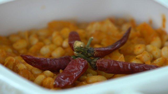 Babaanne usulü lahanalı kuru fasülye