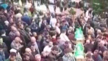 Cenazelerine binlerce insan katıldı!