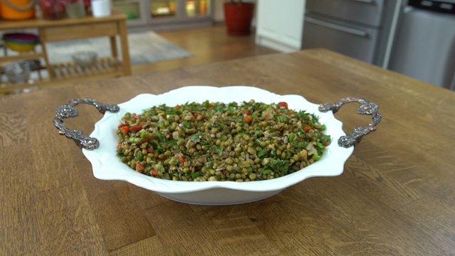 Maş fasulyeli ay çekirdekli salata