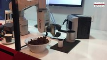 Türk kahvesi servis eden Japon robot