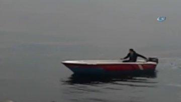 Avcılar'da denizde can pazarı... Denize atlayan 15 yaşındaki genci kurtarmak için polis ve vatandaş seferber oldu