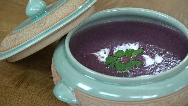 Kremalı mor havuç çorbası