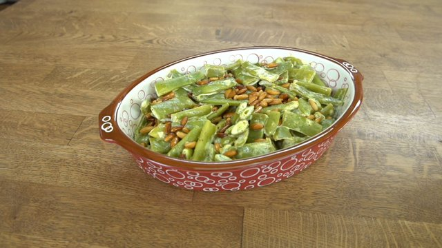 Hardallı Fasulye Salatası