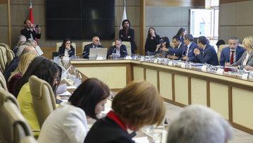 Sağlık alanında düzenlemeler içeren teklif yoğun tartışmalarla komisyondan geçti