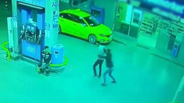 Kan donduran cinayet güvenlik kameralarına yansıdı