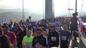 Vodafone 40. İstanbul Maratonu renkli anlara sahne oldu