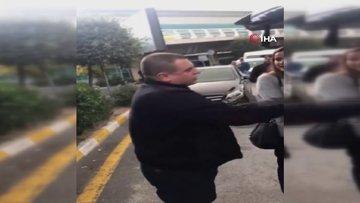 Atatürk Havalimanı'nda taksi durağı kahyası olduğu iddia eden şahıs UBER sürücüsüne saldırdı