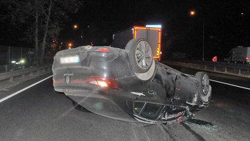 Kaza yapan sürücü aracını bırakıp kayıplara karıştı