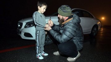 Çeçen liderden rekortmen çocuğa araba hediyesi