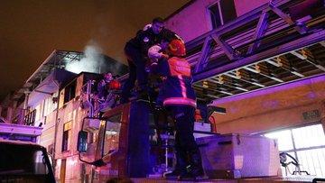 Yangında mahsur kalan 5 çocuğu itfaiye kurtardı
