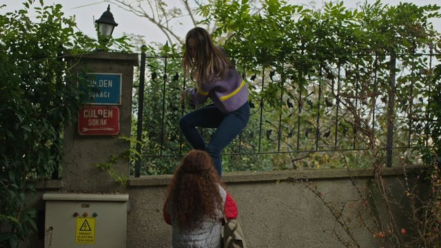 Artemis, Selen'in kaçmasına yardım ediyor!