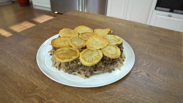 Patatesli erişte pilavı