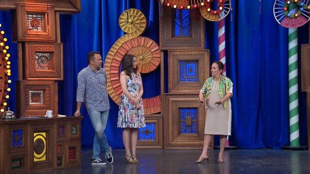 Gül Sunal, Güldür Güldür Show sahnesinde!
