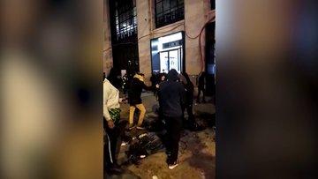 Paris'te sokaklar savaş alanına döndü