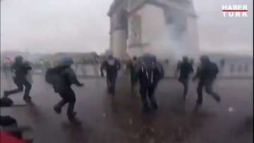 Fransa sokakta: Protestolar bitmiyor!
