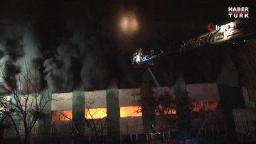 Maltepe'de fabrika yangını!