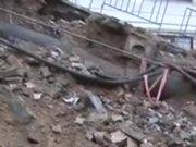 Kağıthane Çeliktepe'de istinat duvarı çöktü