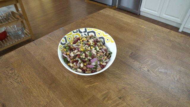 Üç Fasulye Salatası