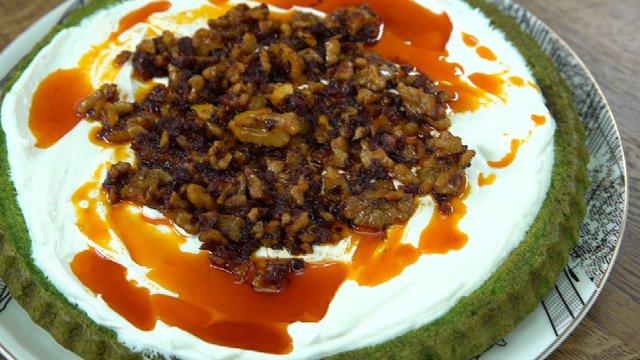 Ispanaklı yoğurtlu kek
