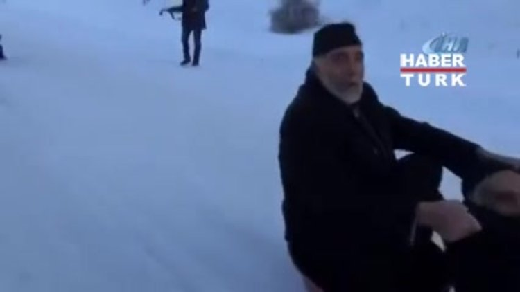Erzurumlu dedelerin kar keyfi