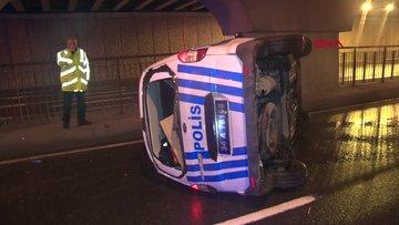 Taksiyi kovalayan polis araçları kaza yaptı: 2 yaralı