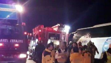 İstanbul'da yolcu otobüsü devrildi: Ölü ve yaralılar var