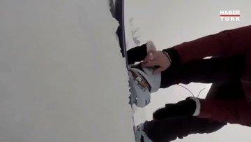 Kovalayan ayıdan habersiz kayak keyfi!