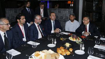 Cumhurbaşkanı Yardımcısı Oktay, Türk vatandaşlarıyla bir araya geldi