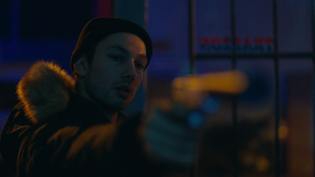 Yakup, Cemil'i vuruyor!