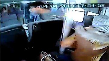 Gazeteciye otobüste taciz!