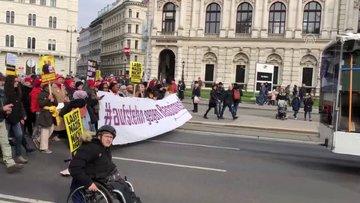 Avusturya'da ırkçılık karşıtları, ırkçıları protesto etti!