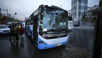 Halk otobüsü temizlik aracına çarptı!