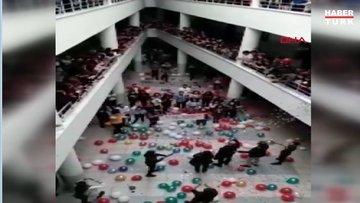 Kanseri yenen öğretmenlerini konfeti ile okulda karşıladılar