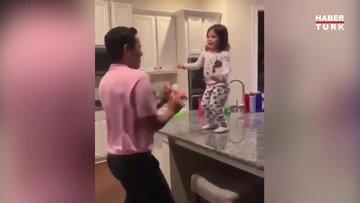 Baba ve kızının dans şovu