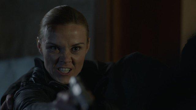 Jennifer, Ziya Cevran'ı vuruyor!