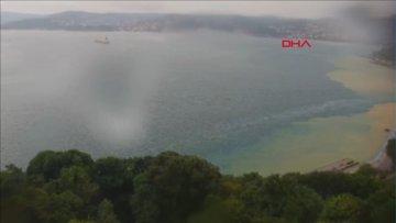 İstanbul Boğazı'na çamur aktı.