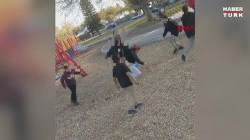 Parkta, kendilerini uyaran kadına saldırdılar