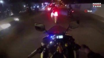 Motosikletli maganda tek tekerlek üzerindeyken polise yakalandı
