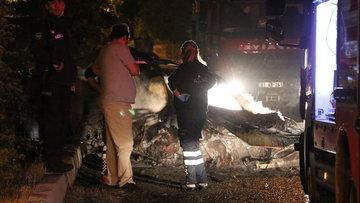 Refüje çıkan otomobil alev alev yandı: 2 ölü