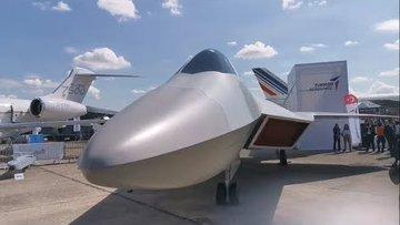 Paris'te Milli Muharip Uçak Rüzgârı Esti