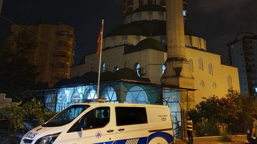 """Adana'da cami hırsızlığı iddiası: """"Yatmak için girdik"""""""