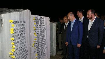 Büyük felaketin 20. yıldönümü! Marmara Depremi'nde hayatını kaybedenler anıldı