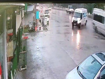 Düzce'de minibüs kafeteryaya daldı: 2 yaralı