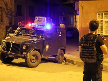 Siirt'te ihbar üzerine olay yerine giden polis ekibine silahlı saldırı